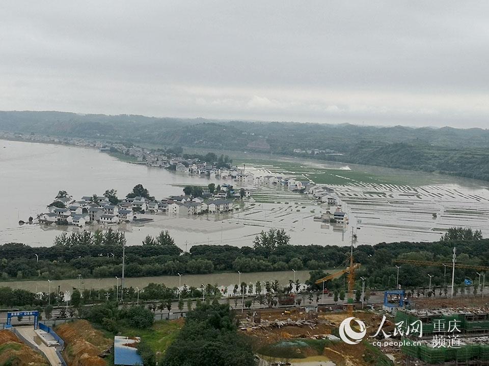 潼南桂林双坝蔬菜基地被洪水淹没。潼南区传媒集团供图