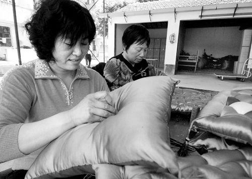 义乌:来料加工视听地方--农妇--人民网造福线图片