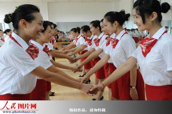 幼儿园握手礼仪图片