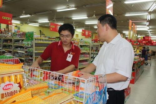 福建石狮:200大学生进企业勤工俭学