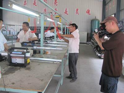 中央七套科技苑节目摄制组来海安采访农机企业